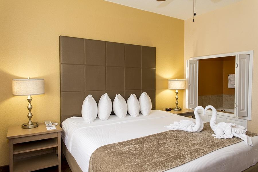 Three Bedroom Suites In Orlando Fl Floridays Resort Orlando